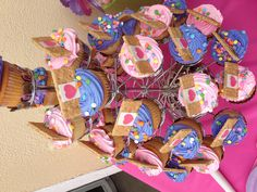 Doc McStuffins cupcakes with graham cracker/fondant band aids- nora's party Girls Birthday Party Themes, 4th Birthday Parties, Birthday Fun, Birthday Ideas, Doc Mcstuffins Cupcakes, Doc Mcstuffins Birthday Party, Bday Girl, Fun Cupcakes, Party Cakes