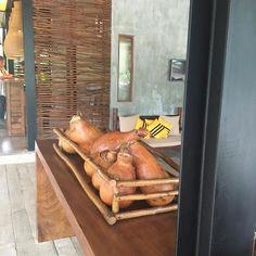 Estamos no Yala Parque nacional do Sirilanka! A decoração desse Hotel Cinnamon Yala é simplesmente linda. Olha essa composição de cabaças na recepção