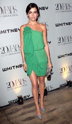 one shoulder green dress.. so pretty!