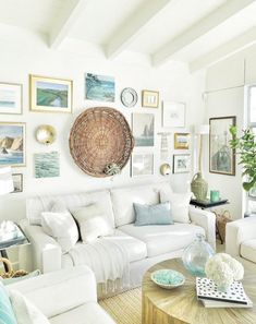Beach themed Living Room Decorating Ideas Lovely 1171 Best Home Farmhouse Meets Coastal Cottage Inspiration Images. Beach Living Room, Cottage Living Rooms, Coastal Living Rooms, Living Room Furniture, Living Room Decor, Cozy Living, Dining Room, Dining Table, Cottage Furniture