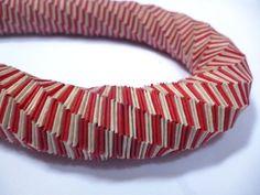 Intreccio  Collana di carta intrecciata color di PaperArtLab