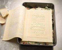 Das einzige Kochbuch, das man lesen, kochen und aufessen kann ( Lasagne entwickelt von Werbeagentur Kolle Rebbe )