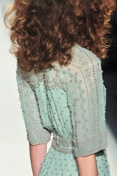 "game-of-style: "" House Manderly - Jenny Packham spring 2014 "" Couture Details, Fashion Details, High Fashion, Fashion Beauty, Green Fashion, Fashion Hair, Ladies Fashion, Glamour, Jenny Packham"