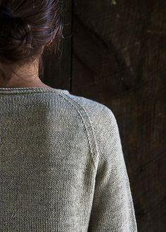 Letvægtssweater med raglan | Strikkeglad.dk