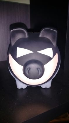 Piggybank batman alcancia Batman, Piggy Banks, Pigs, Mud, Party, Pork, Money Bank, Little Pigs