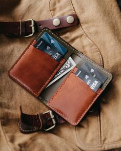 The Royal V6 is a vertical 6 pocket wallet that can hold multiple cards and cash but still retains that minimalist front pocket wallet feel. It's made from the highest quality of vegetable tanned leather and will develop a rich patina over time. Features: - 100% hand stitched - Saddle Stitched with Kahki Vinymo thread-