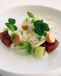 Sashimi van tonijn, komkommer, gepofte rijst - Recepten - Culinair - KnackWeekend.be
