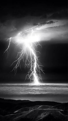 Striking Distance Lightning Beach Clouds Wild Beauty Of Lightning Photography, Nature Photography, Photography Tips, Portrait Photography, Travel Photography, Wedding Photography, Beautiful Sky, Beautiful Landscapes, Lighting Storm