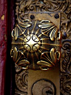 Door Knob - Saint Patrick Cathedral by © trueself2000, via Flickr.com