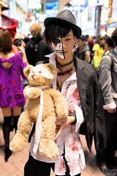 Shibuya Street Party Costume Pictures 2013 (part 2) | video: http://www.youtube.com/watch?v=XCNFA90H38Q | 31 October 2013 | #Fashion #Harajuku (原宿) #Shibuya (渋谷) #Tokyo (東京) #Japan (日本)