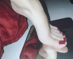 Nice Toes, Pretty Toes, Greek Feet, Red Toenails, Cute Toe Nails, Cigar Girl, Foot Pics, Barefoot Girls, Soft Feet