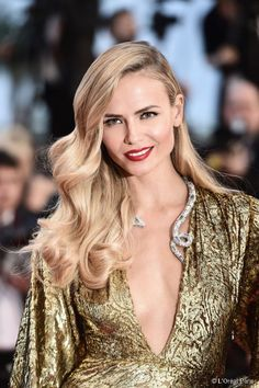 Natasha Poly with sideswept waves in Cannes