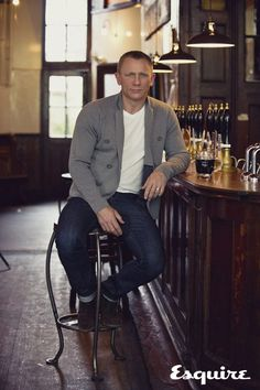 Daniel-Craig-style (#want that sweater)