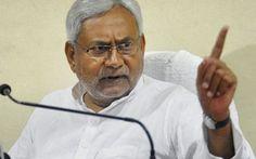 किसानों का प्रदर्शन लगातार बढ़ता जा रहा है. कई विपक्षी दल किसानों के साथ दिखते नजर आ रहे हैं. इन्हीं के सहारे विपक्ष केंद्र को निशाने पर लिए हुए हैं. वहीं, केंद्र इसे विपक्ष की साजिश बताता है. ऐसे में बिहार के CM नीतीश कुमार ने कहा है कि कोई राष्ट्रिय नीति नही बनाई गई जिसके कारण उनका यह हाल हुआ है.