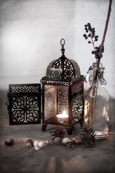 Ĭ Velas - Candles! Lantern Lamp, Candle Lanterns, Candle Sconces, Lantern Lighting, Fall Lanterns, Black Lantern, Lanterns Decor, Moroccan Lanterns, Moroccan Decor