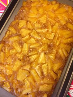 Pineapple Upside-Down Cake With Fresh or Canned Pineapple - Food and drink ideas - Best Cake Recipes Fresh Pineapple Recipes, Easy Pineapple Cake, Pineapple Desserts, Canned Pineapple, Pineapple Coconut, Pineapple Jam, Pineapple Upsidedown Cake Recipe, Pineapple Casserole, Coconut Sugar