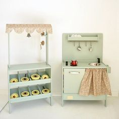 Wooden toy market and toy kitchen Toys Market, Play Market, Wooden Toy Kitchen, Wooden Toys, Kids Workbench, Play Spaces, Bilbao, Baby Kids, Playrooms