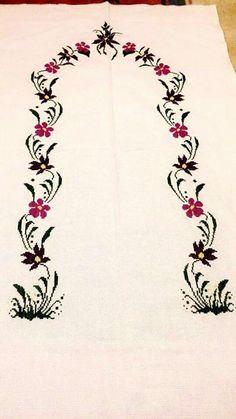 En Beğenilen Seccade Modelleri - Sister Tutorial and Ideas Cross Stitching, Cross Stitch Embroidery, Cross Stitch Patterns, Towel Embroidery, Embroidery Patterns, Flower Coloring Pages, Prayer Rug, Bargello, Cross Stitch Flowers