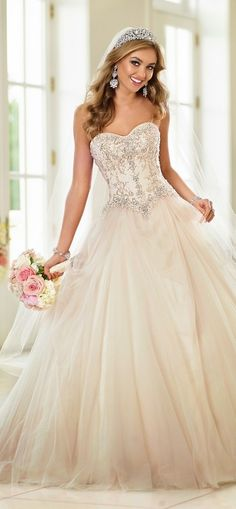 Stella York Fall 2015 Bridal Collection : It's looks gorgeous and Lovely.