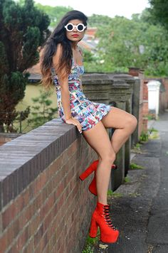 She Wears Fashion: Trendy Blogger Womens Fashion Thick Round Sunglasses 8980
