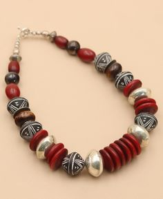 Beaded Jewelry, Jewelry Necklaces, Fine Jewelry, Handmade Jewelry, Beaded Necklace, Jewelry Making, Statement Necklaces, Pearl Jewelry, Bullet Jewelry