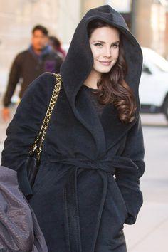 Lana leaving Mandarin Hotel in New York (Dec. 04, 2014)