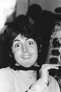 """The Beatles are a famous English band that originated in Liverpool, England. They became """"The Beatles"""" in 1960 and consisted of four very talented and incredibly influential musicians; John Lennon, Paul McCartney, George Harrison, and Ringo Starr. My Love Paul Mccartney, Paul Mccartney And Wings, Linda Mccartney, Paul Mccartney Young, Beatles Love, Les Beatles, George Harrison, John Lennon, Liverpool"""