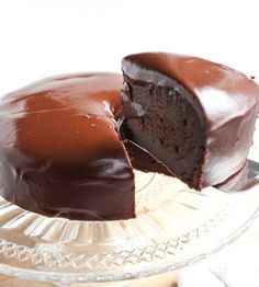 Chocolate cake - A delicious recipe for chocolate cake with a thick layer of chocolate icing. Cake Filling Recipes, Cake Recipes, Dessert Recipes, Cake Cookies, Cupcake Cakes, Chocolate Recipes, Chocolate Cake, Bake My Cake, Pastry Cake