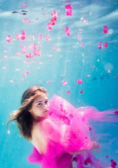 Underwater photography with Elena Kalis