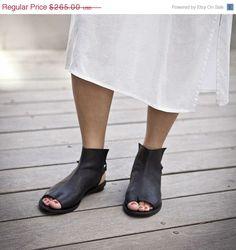 56b7513c8a987 Designer shoes Tabi open bootie sandals   Women Black sandals   black women  sandals   FLat sandals   Spring shoes