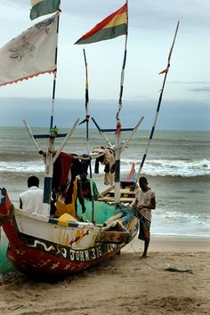 Headed back... Initially I stayed at the Kokrobite Institute so this is very familiar to my eye. (Fishing boat in Kokrobite, Ghana, Africa)