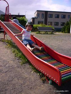 Mini roller slide