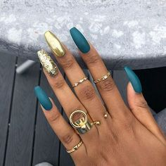50 creative and newest acrylic nails designs for winter holiday 2019 - Nail Art Acrylic Nails Natural, Fall Acrylic Nails, Acrylic Nails With Design, Acrylic Nail Designs Glitter, Colored Acrylic Nails, Fall Nails, Spring Nails, Trendy Nails, Cute Nails
