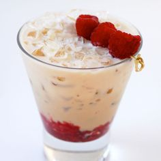 Baileys Cool Raspberry Cocktail In a rocks glass, muddle 4-5 raspberries. Add the Baileys Original Irish Cream and fill with crushed ice. Garnish with 3 speared raspberries.