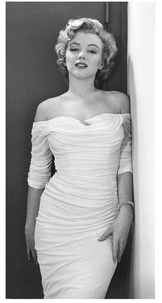 Marilyn Monroe, Hollywood 1952 by Philippe Halsman Marylin Monroe, Marilyn Monroe Fotos, Marilyn Monroe Style, Marilyn Monroe Wedding, Hollywood Glamour, Classic Hollywood, Old Hollywood, Actrices Hollywood, Celebrity Gallery