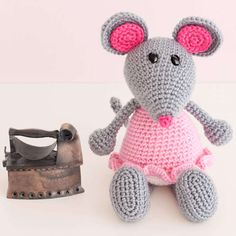 http://wixxl.com/self-ironing-rat-in-pink-dress-pattern/ Self Ironing Rat in Pink Dress - Free Amigurumi Pattern