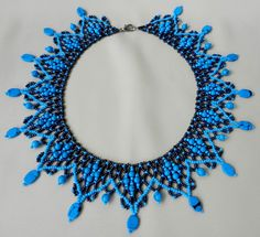 Free pattern for necklace Blue