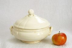 Hey, I found this really awesome Etsy listing at https://www.etsy.com/il-en/listing/277400972/soup-tureen-in-porcelain-french