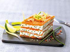 Avec les lectrices reporter de Femme Actuelle, découvrez les recettes de cuisine des internautes : Mille-feuilles de saumon fumé au mascarpone citronné