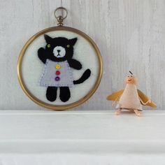 Violet the Cat Cute Felt Appliqued Cat in a Vintage Hoop Etsy Embroidery, Embroidery Stitches, Lady Violet, Linen Bag, Felt Applique, Vintage Frames, Bag Making, Dream Catcher, Cat Lovers