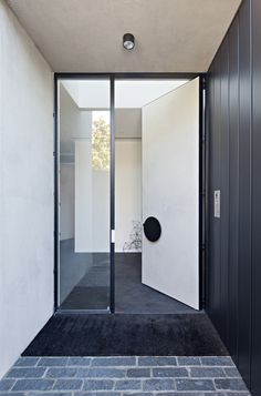 Boundary House-Tecture-The Local Project-Australian Architecture & Design-Image 2 Modern Entrance Door, Front Door Entrance, Entrance Foyer, Big Doors, Pivot Doors, Windows And Doors, House Doors, Facade House, Door Design
