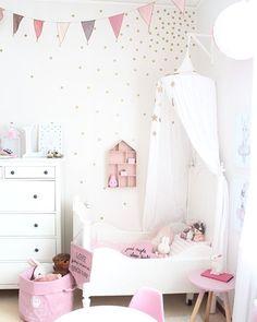 Söta detaljer till barnrummet Exempel väggstickers, posters och mycket mer. Webbshop www.avanni.se