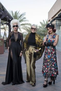 Colleen, Pat, and Irene - Advanced Style Best Picture For Advanced Style tattoo For Your Taste You are looking for something, and it is going to tell you exactly what you are looking for, and you didn Palm Springs Fashion, Ari Seth Cohen, Losing My Best Friend, Over 60 Fashion, Street Style Blog, Advanced Style, Boho, Elegant Woman, How To Take Photos