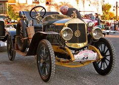 Des bijoux... Rallye de voitures anciennes barcelone sitges Sitges, Vintage Cars, Antique Cars, Bugatti, Race Cars, Classic Cars, Racing, Wedding, Autos
