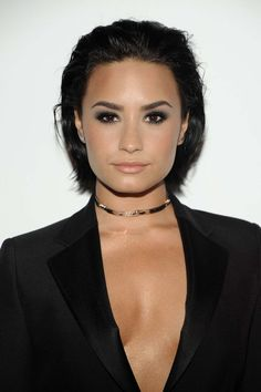 5-Minute Slicked Back Wet Hair Tutorial, check it out at http://makeuptutorials.com/demi-lovato-bob-haircut-makeup-tutorials