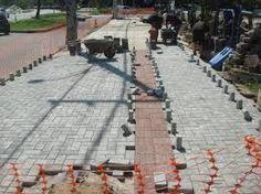 Resultado de imagem para lajotas e pisos de cimento