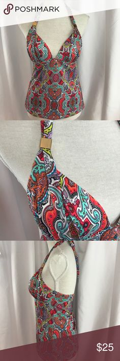 Victoria's Secret szM padded paisley print halter Excellent used condition Victoria's Secret szM padded paisley print halter swim top...gold accents...would pair nicely w/black bottoms...very flattering... Victoria's Secret Swim Bikinis