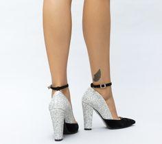Pantofi dama toc gros sclipici Heeled Mules, Cape, Heels, Fashion, Mantle, Heel, Moda, Cabo, Fashion Styles