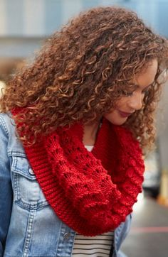 Be True Knit Cowl | Warm and cozy as can be, this knit cowl pattern won't take you long to make!