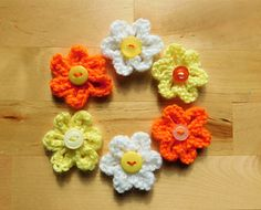 Easy Daisy Knit Flower Pattern Free knitting and crochet patterns. I am a popular independent designer. Record of Knitting Wool rotating, weaving and s. Knitted Flowers Free, Crochet Puff Flower, Crochet Flower Patterns, Afghan Crochet Patterns, Crochet Flowers, Hat Crochet, Irish Crochet, Baby Knitting Patterns, Free Knitting